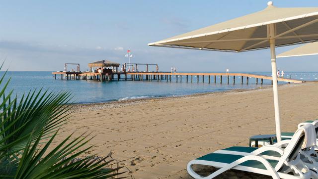 Gloria Hotel beach
